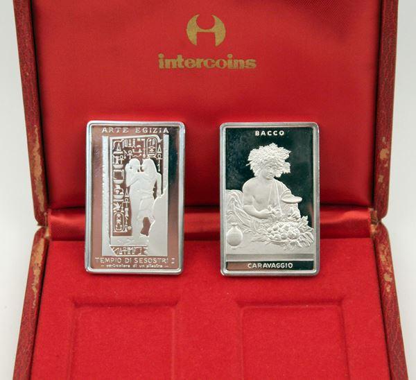 Lotto composto da due lingotti in argento.
