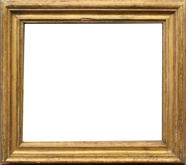 Cornice Salvator Rosa in legno dorato, cm 44 x 38.