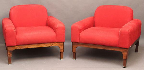 Coppia di poltrone in radica rivestite in stoffa rossa, Periodo Decò.