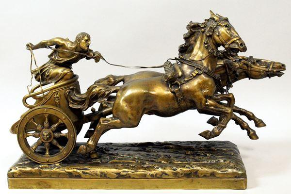 Ulpiano  Checa y Sanz - Corsa con biga romana, scultura in bronzo ptinato, altezza 36x60x20 cm.