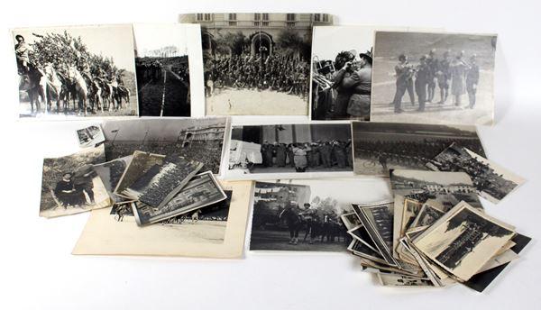 Lotto di 55 fotografie d'epoca, raffiguranti Bersaglieri, la Fanfara e ritratti, con dediche al retro, diversi formati, XX secolo