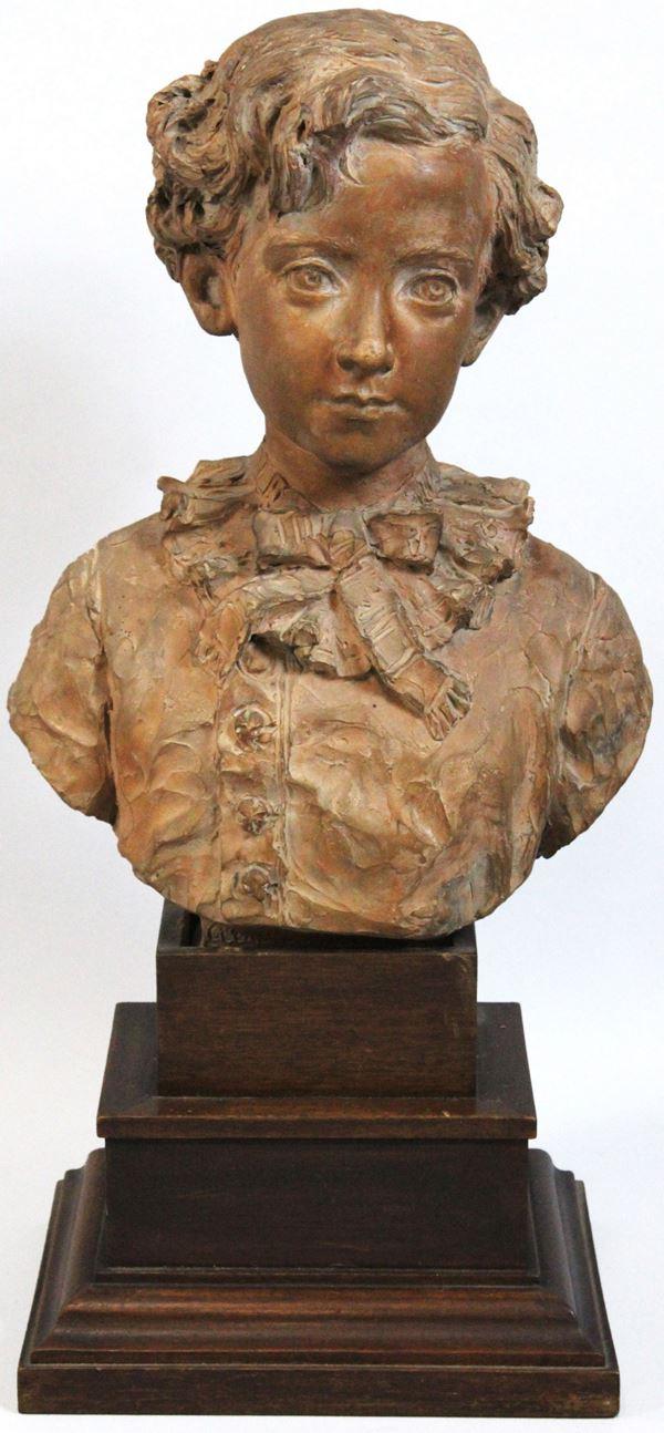 Romolo Malpieri - Busto di Arnaldo Malpieri da fanciullo, scultura in terracotta, altezza 43,5 cm poggianate su base in legno (difetti alla base)