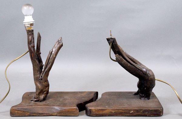 Lotto di due lampade da tavolo a tronco, altezza cm. 35, XX secolo.