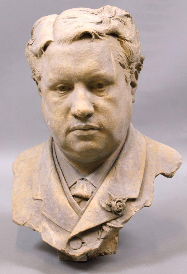 Busto in terracotta raffigurante ritratto di gentiluomo, altezza cm. 47, (difetti).