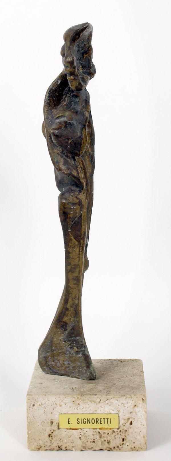 E. Signoretti - Scultura in bronzo raffigurante figura femminile, altezza cm. 25, su base in marmo